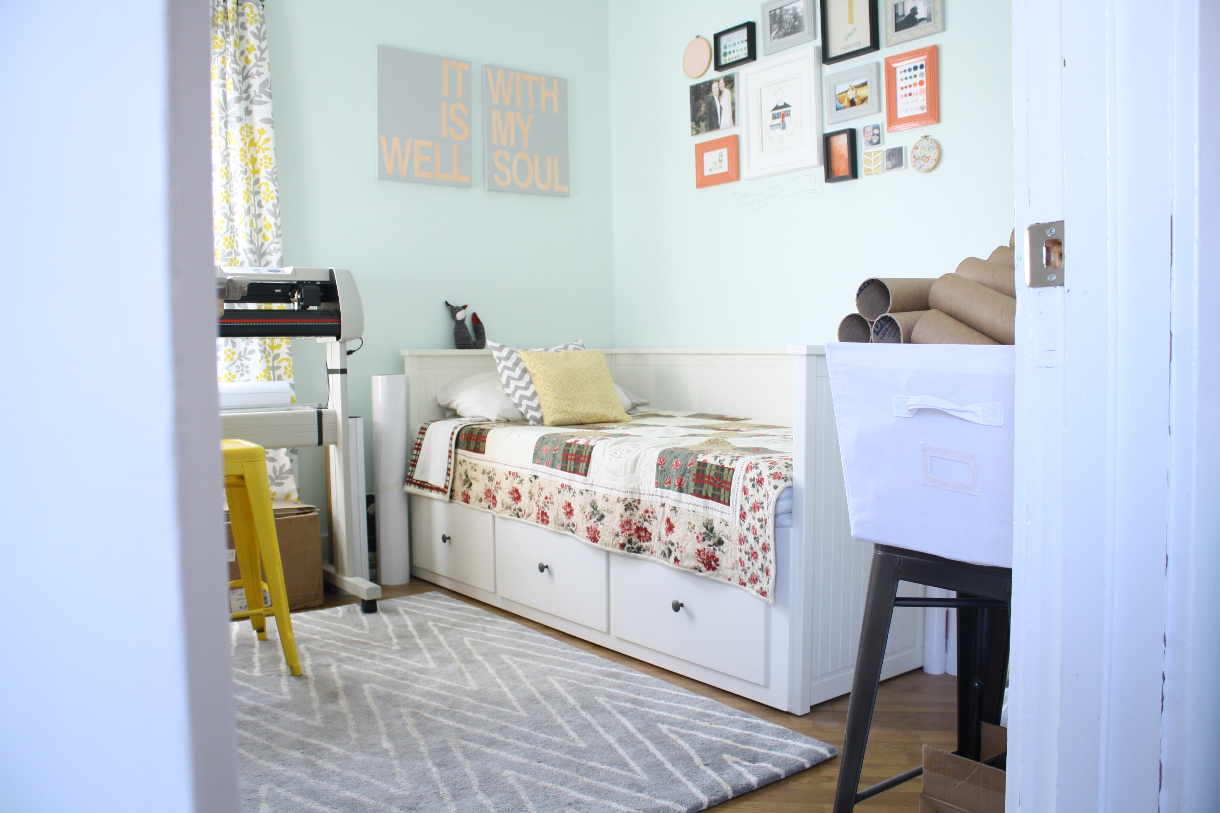 Office Daybed And Collage Wall